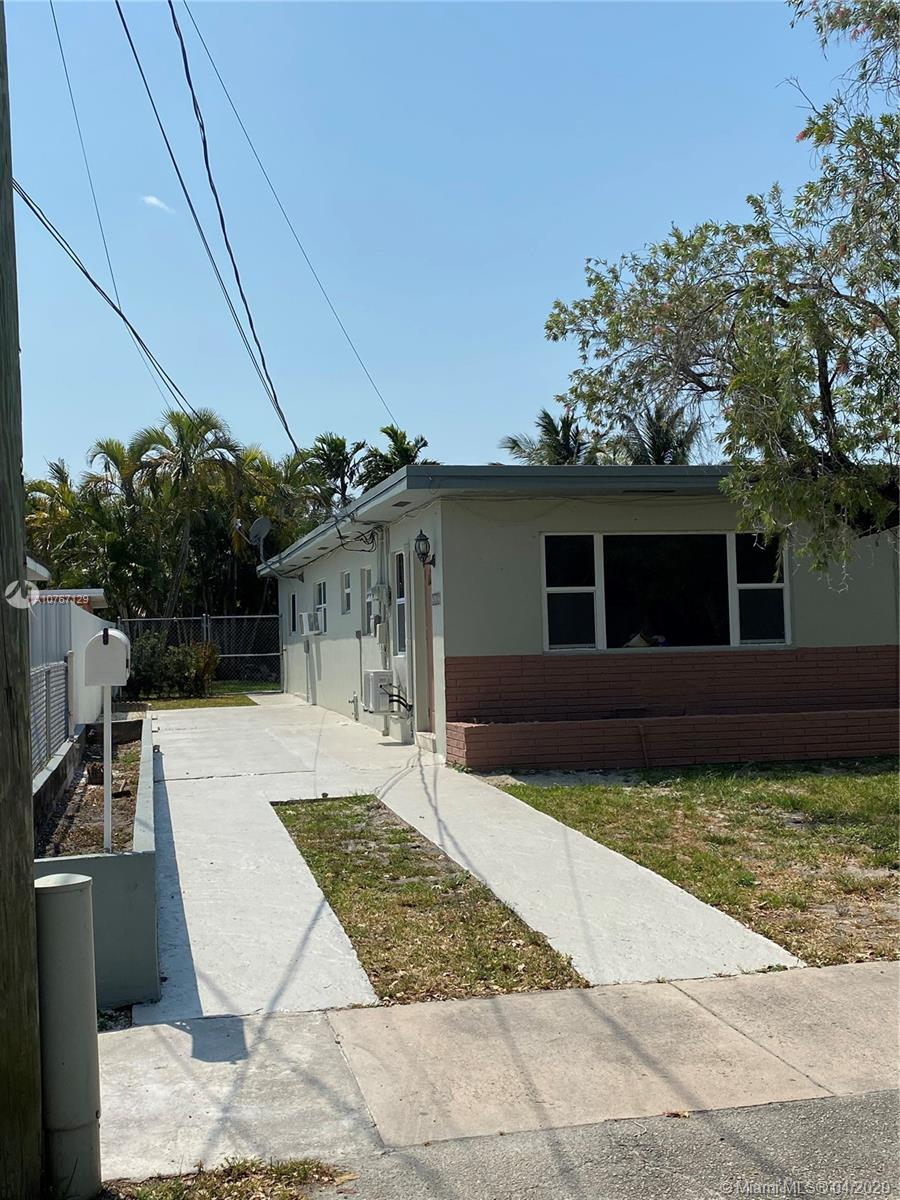 2630 SW 30th Ct  For Sale A10767129, FL