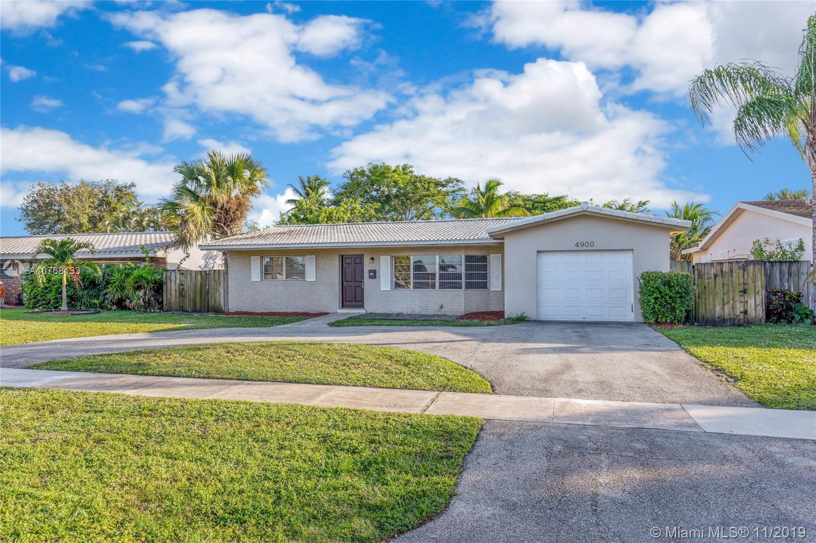 4900  Mckinley St  For Sale A10768133, FL