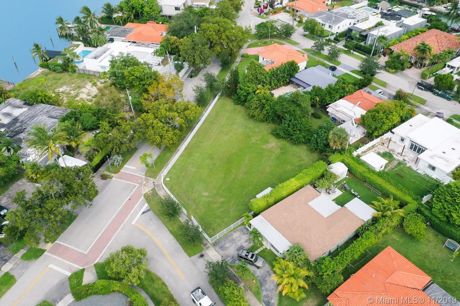 1240 N Biscayne Point Rd  For Sale A10764282, FL