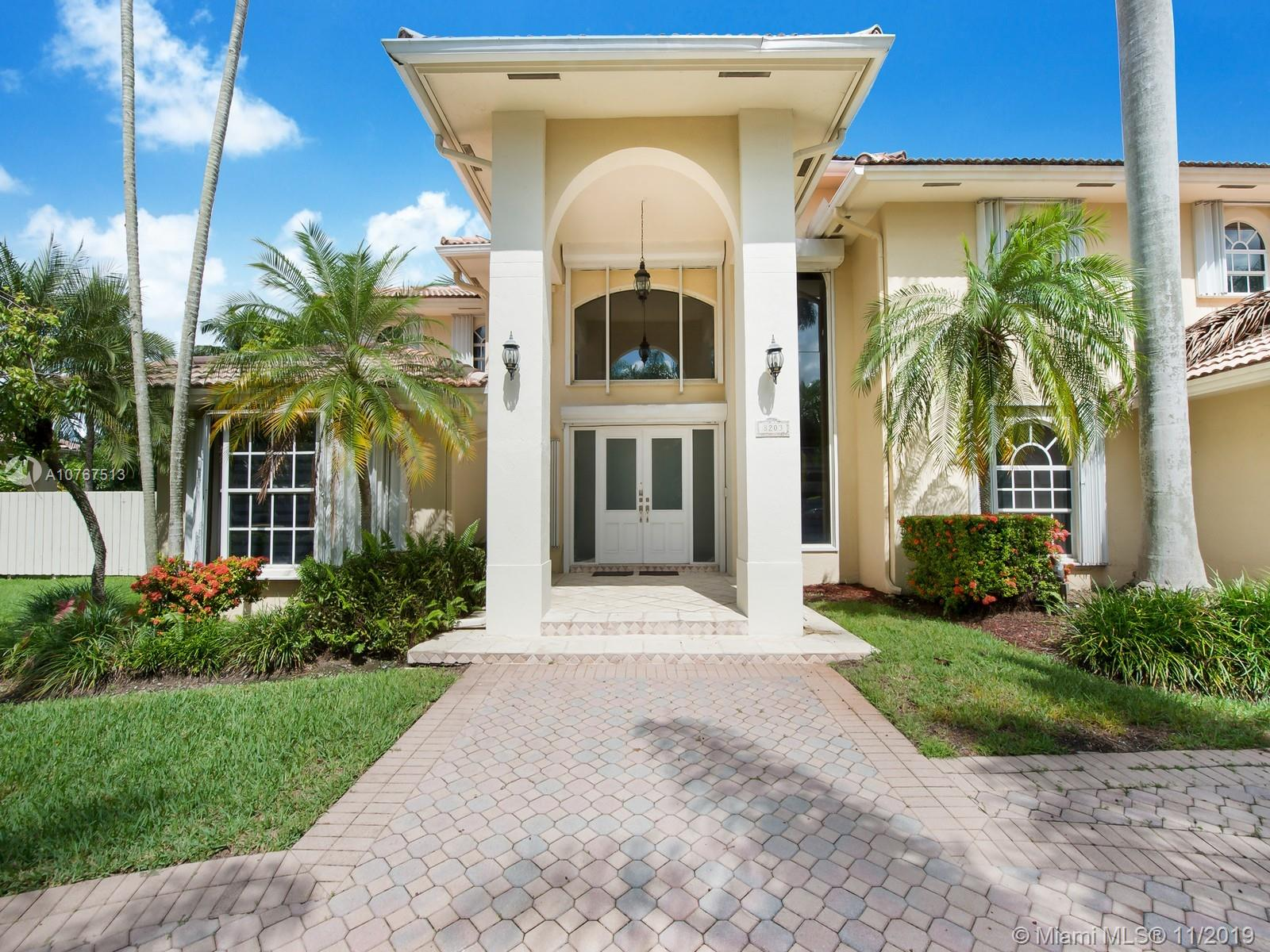 8203 S W 85th Ter  For Sale A10767513, FL