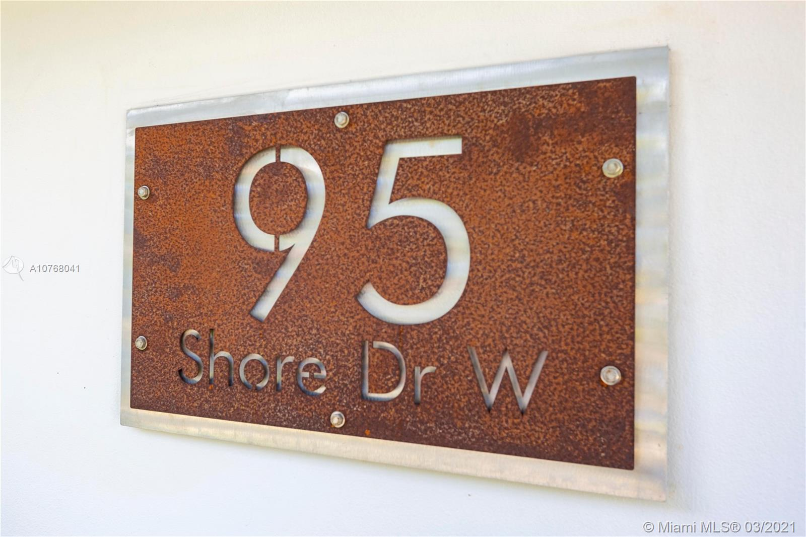 95 W Shore Dr W  For Sale A10768041, FL