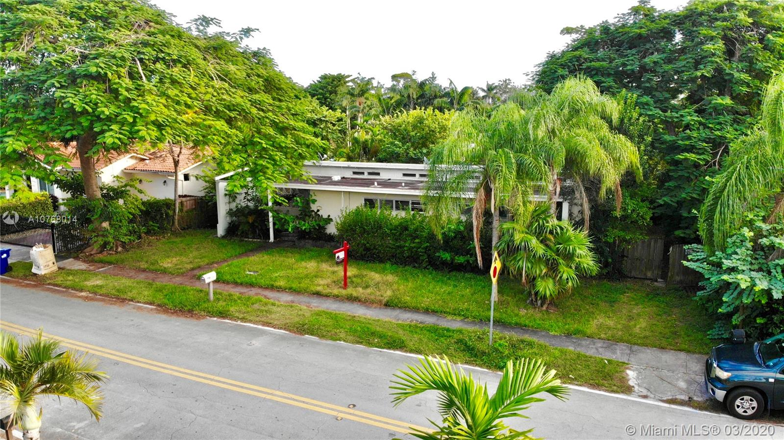 6330 SW 44th St  For Sale A10768014, FL