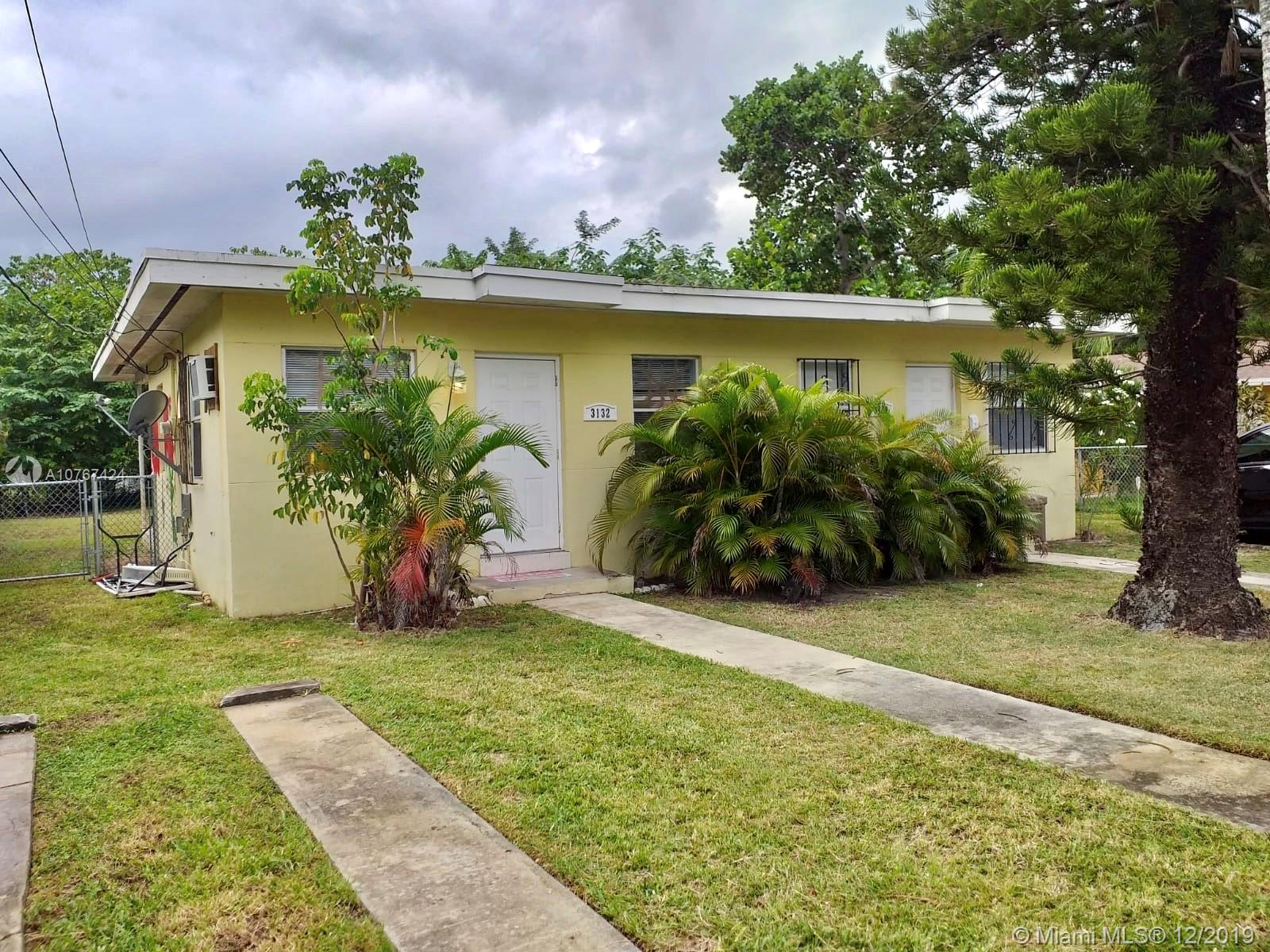 3130  Plaza St  For Sale A10767424, FL