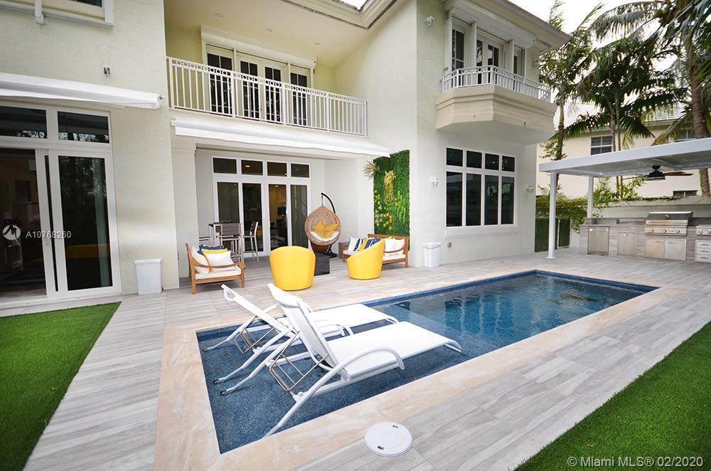 24  Grand Bay Estates Cir  For Sale A10768260, FL