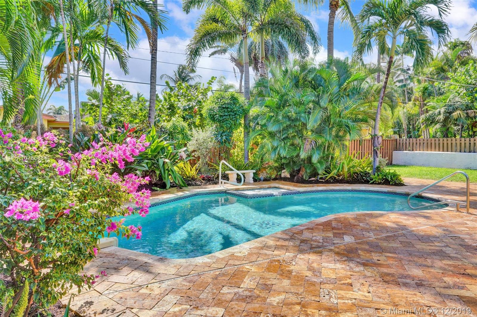 1106  Harrison St  For Sale A10765884, FL