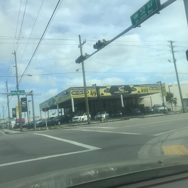 3199 NW 36th St, Miami, FL 33142
