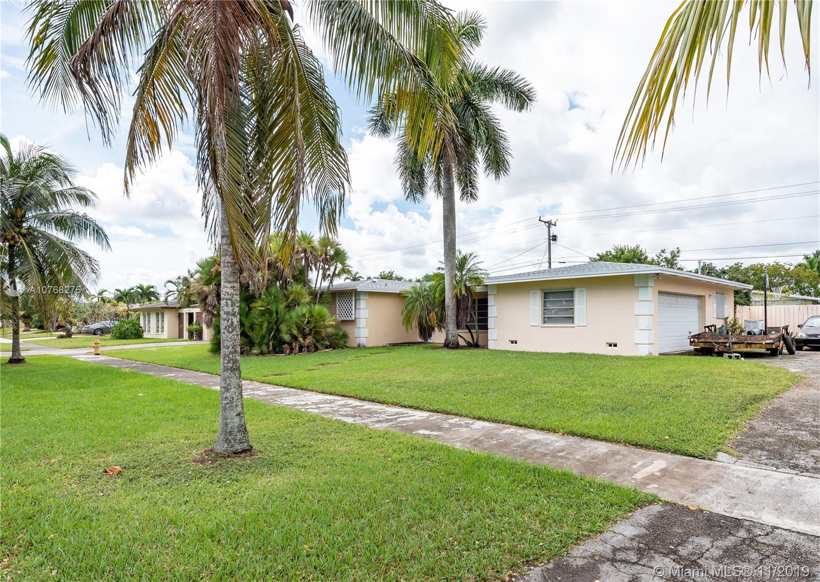 15730 SW 98th Ct  For Sale A10768275, FL