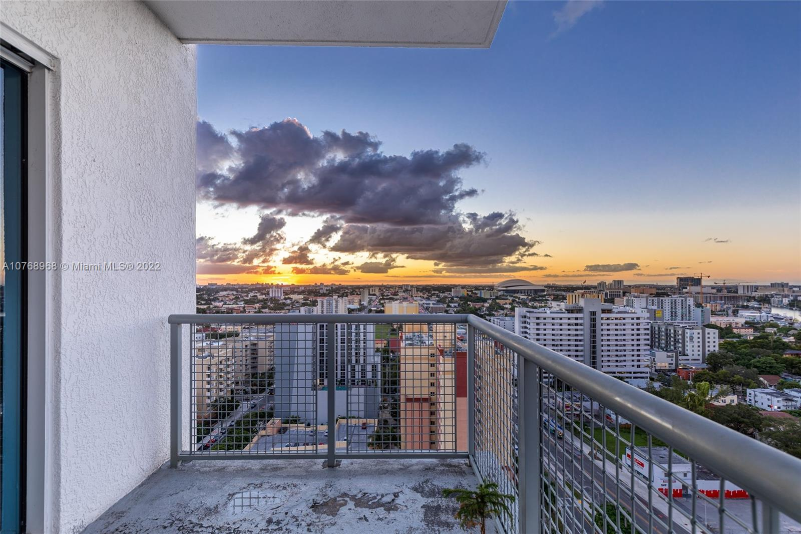 10 SW South River Dr #PHI15 For Sale A10768968, FL
