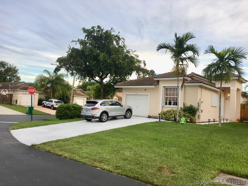 8734 SW 213 TE  For Sale A10769024, FL