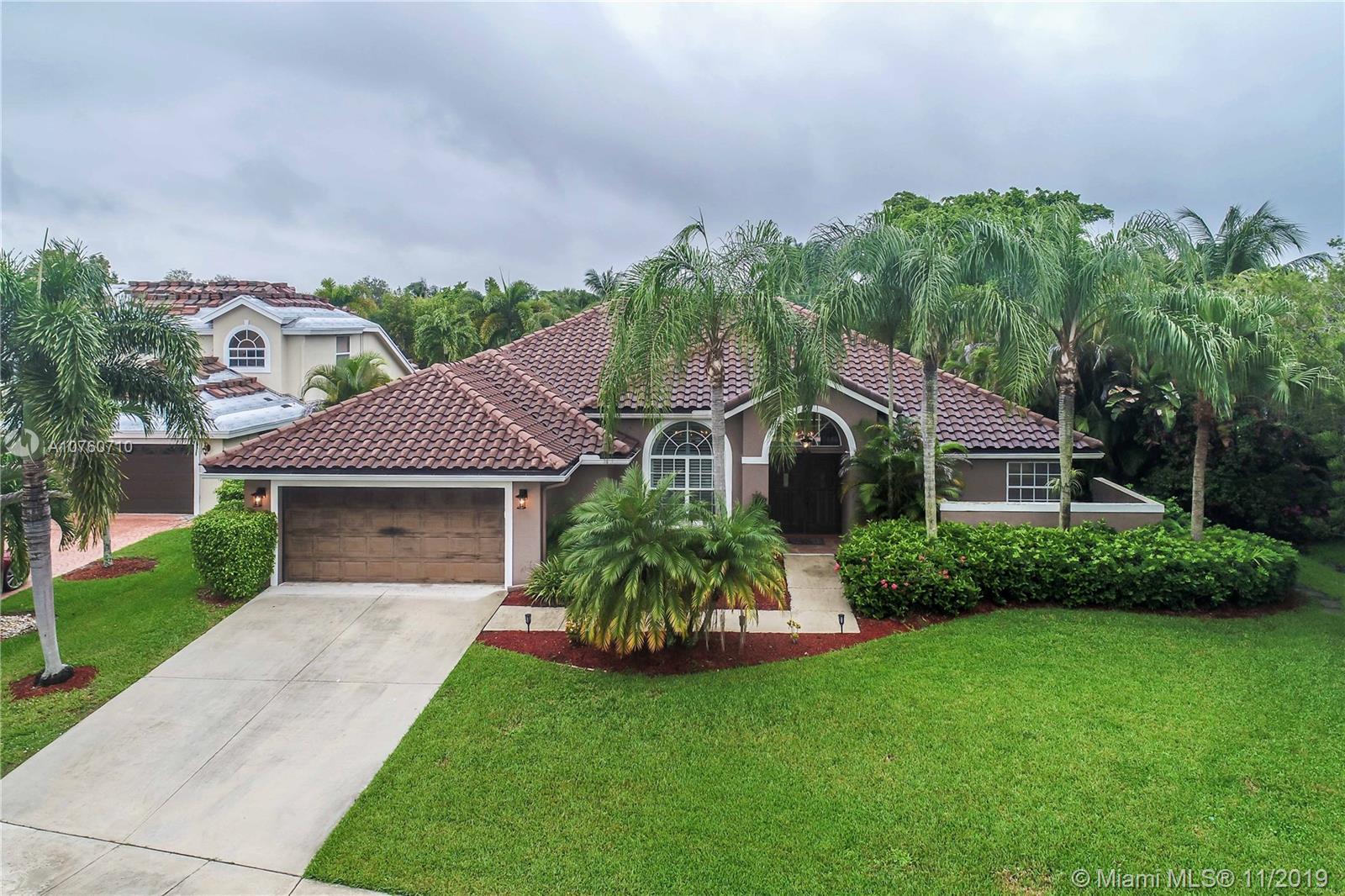 20389  Hacienda Ct  For Sale A10760710, FL