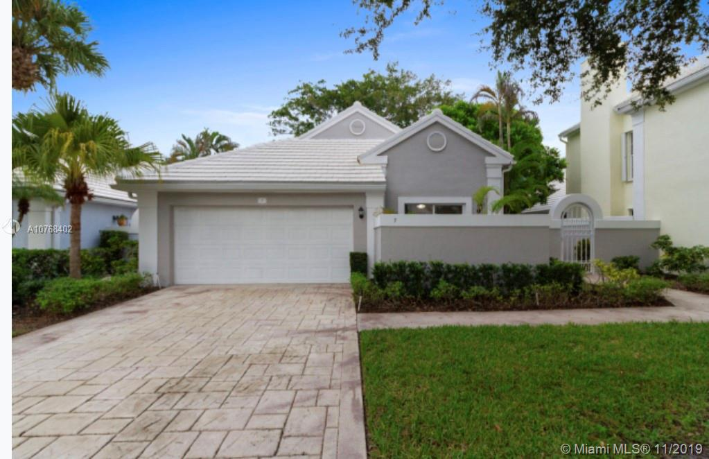 7 Wyndham Ln, Palm Beach Gardens, FL 33418
