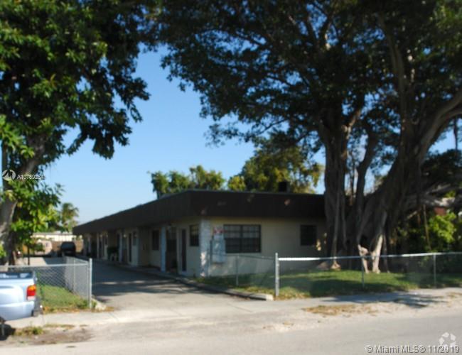 2237 Taylor St, Hollywood, FL 33020