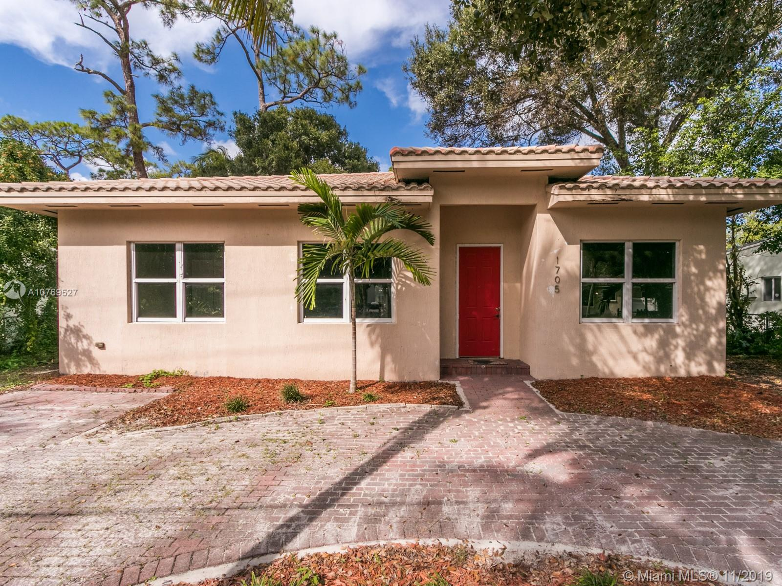 1705 SW 14th Ct  For Sale A10769527, FL