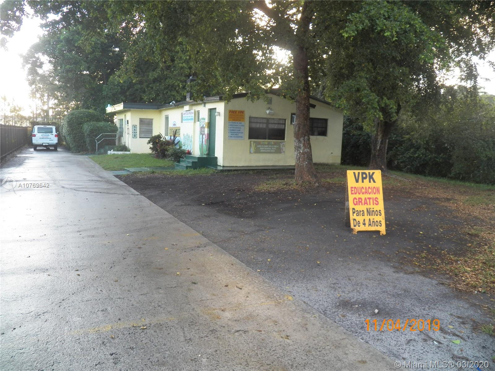 4848 SW 61st Ave  For Sale A10769642, FL
