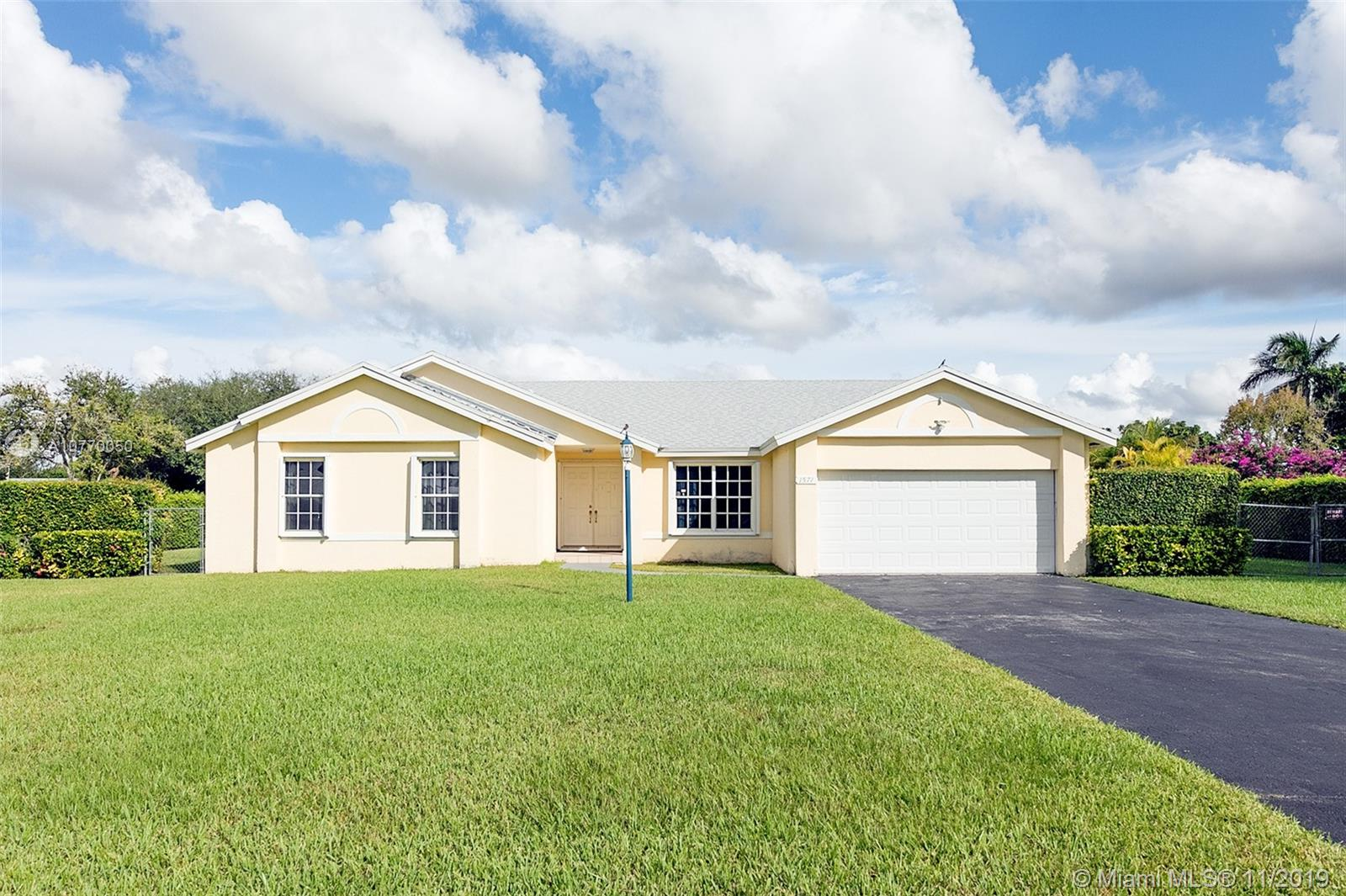 1571 NW 17th St  For Sale A10770050, FL
