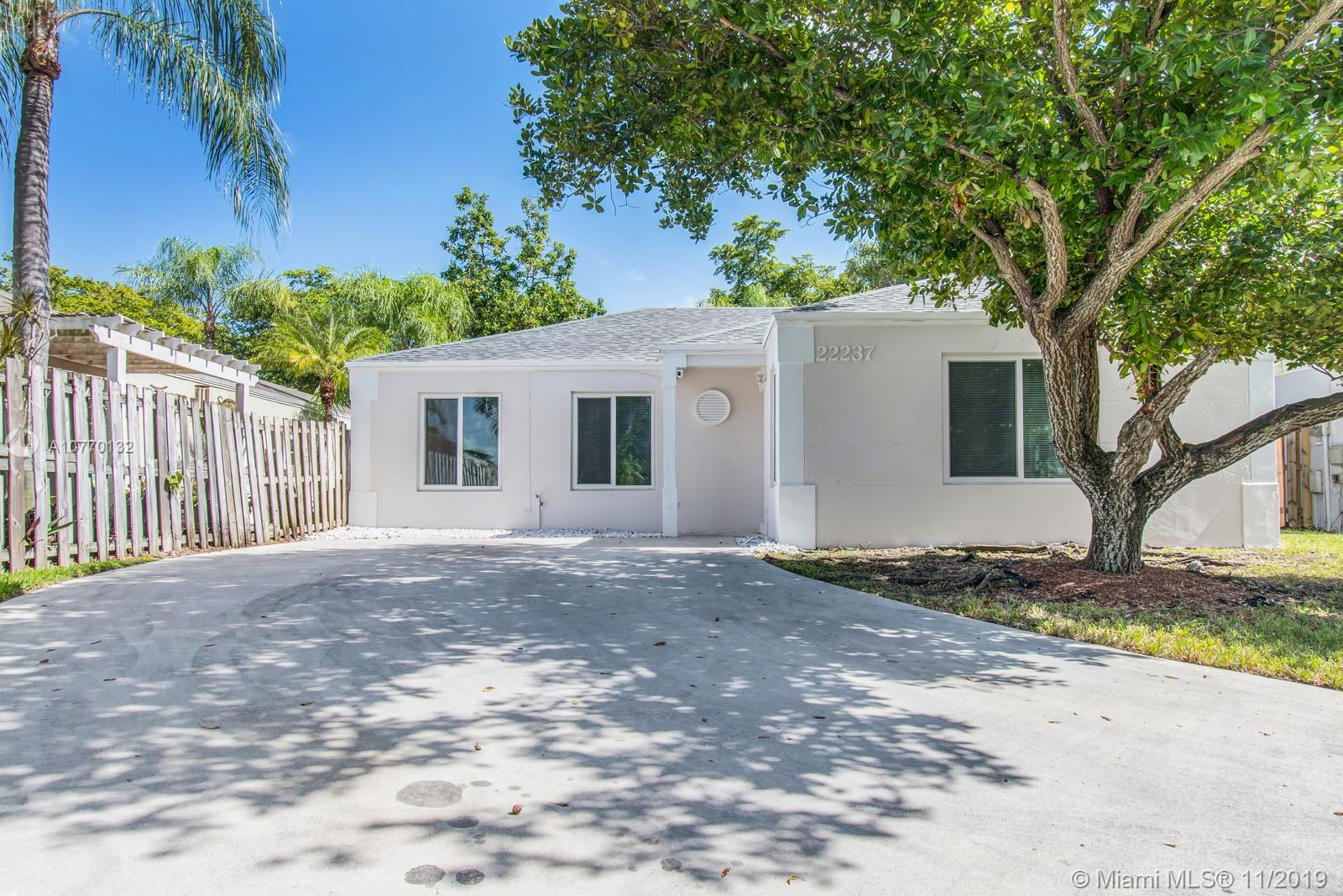 22237 SW 97th Ct  For Sale A10770132, FL