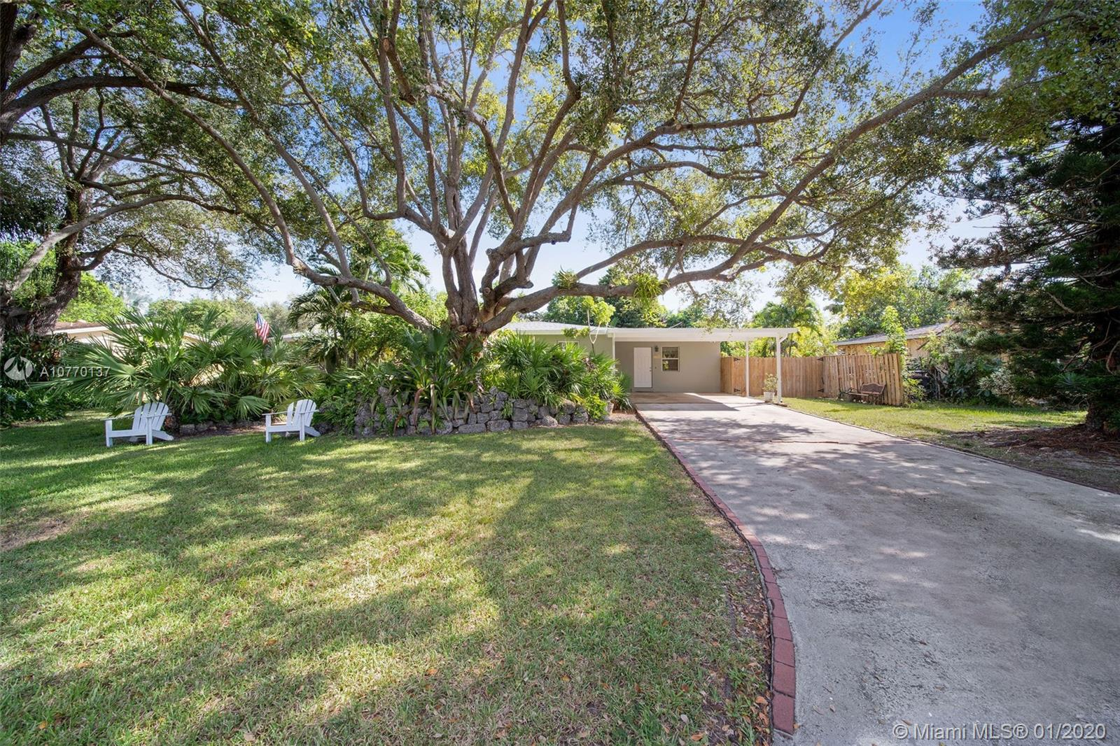 17255 SW 84th Ct  For Sale A10770137, FL