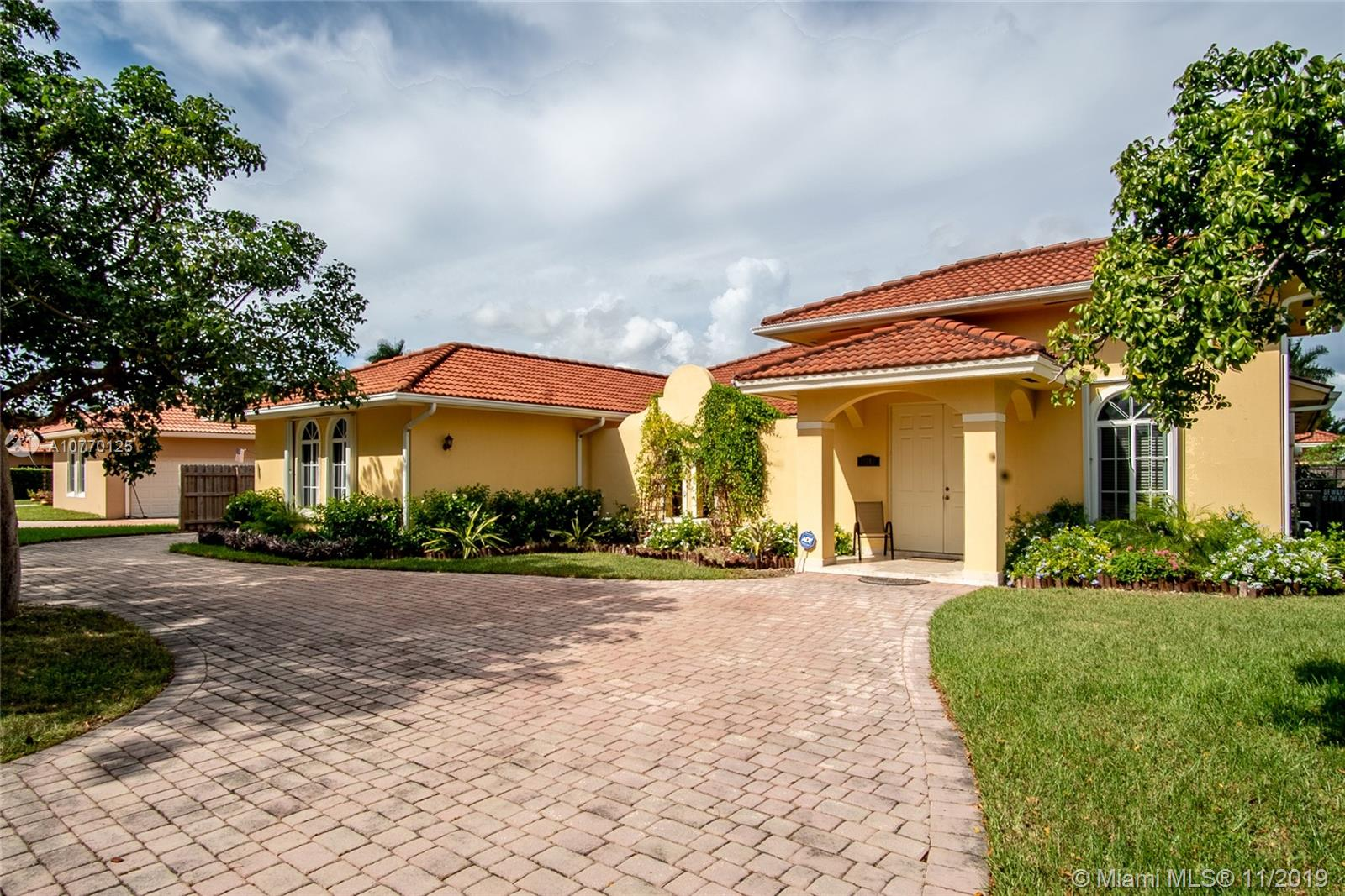 15243 SW 162nd St  For Sale A10770125, FL