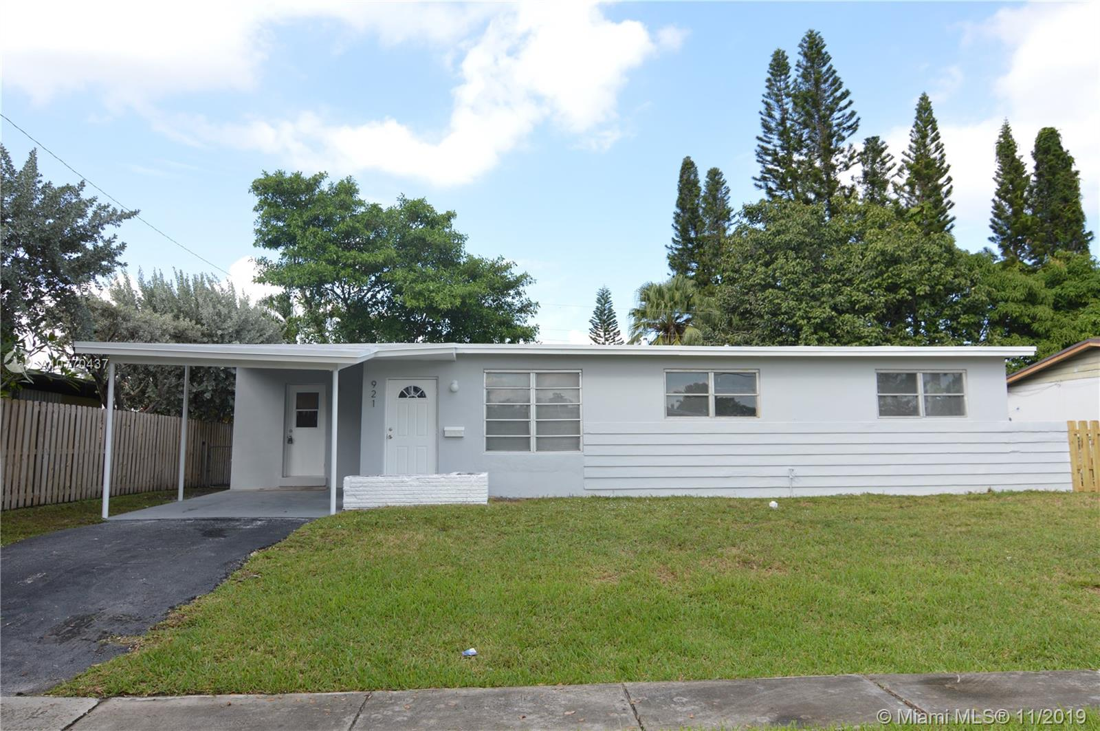 921 SW 3rd St  For Sale A10770437, FL