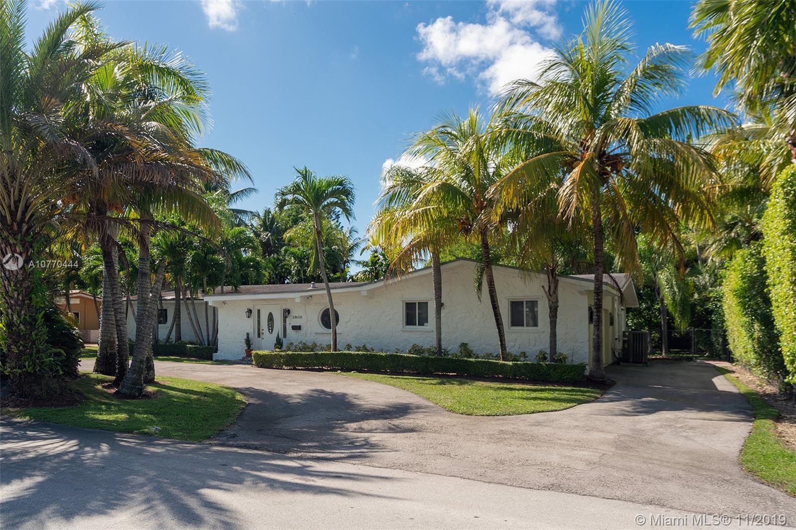 13650 SW 78th Ct  For Sale A10770444, FL