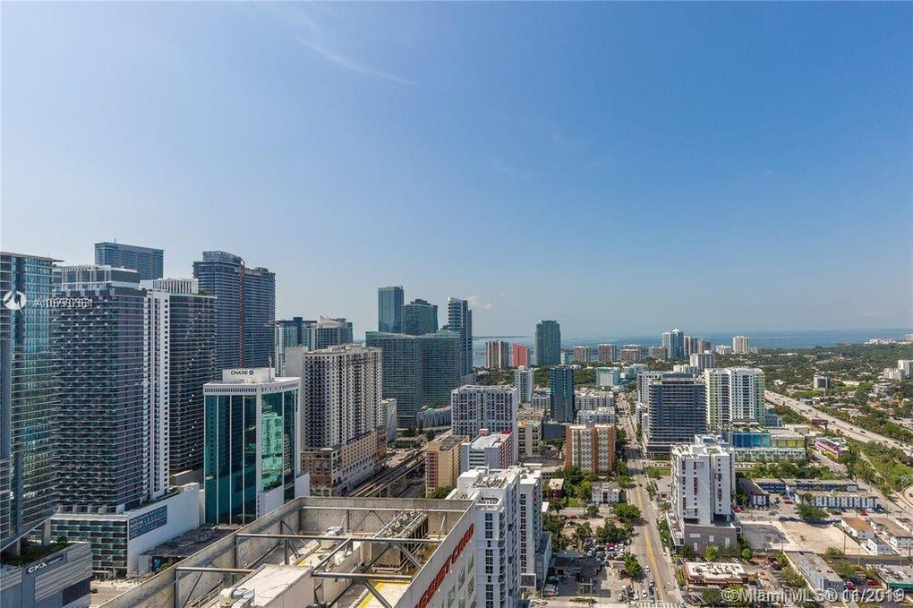 185 SW 7th St #4102 For Sale A10770361, FL