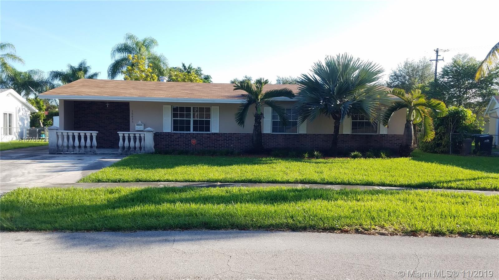 18625 SW 90th Ave  For Sale A10766721, FL