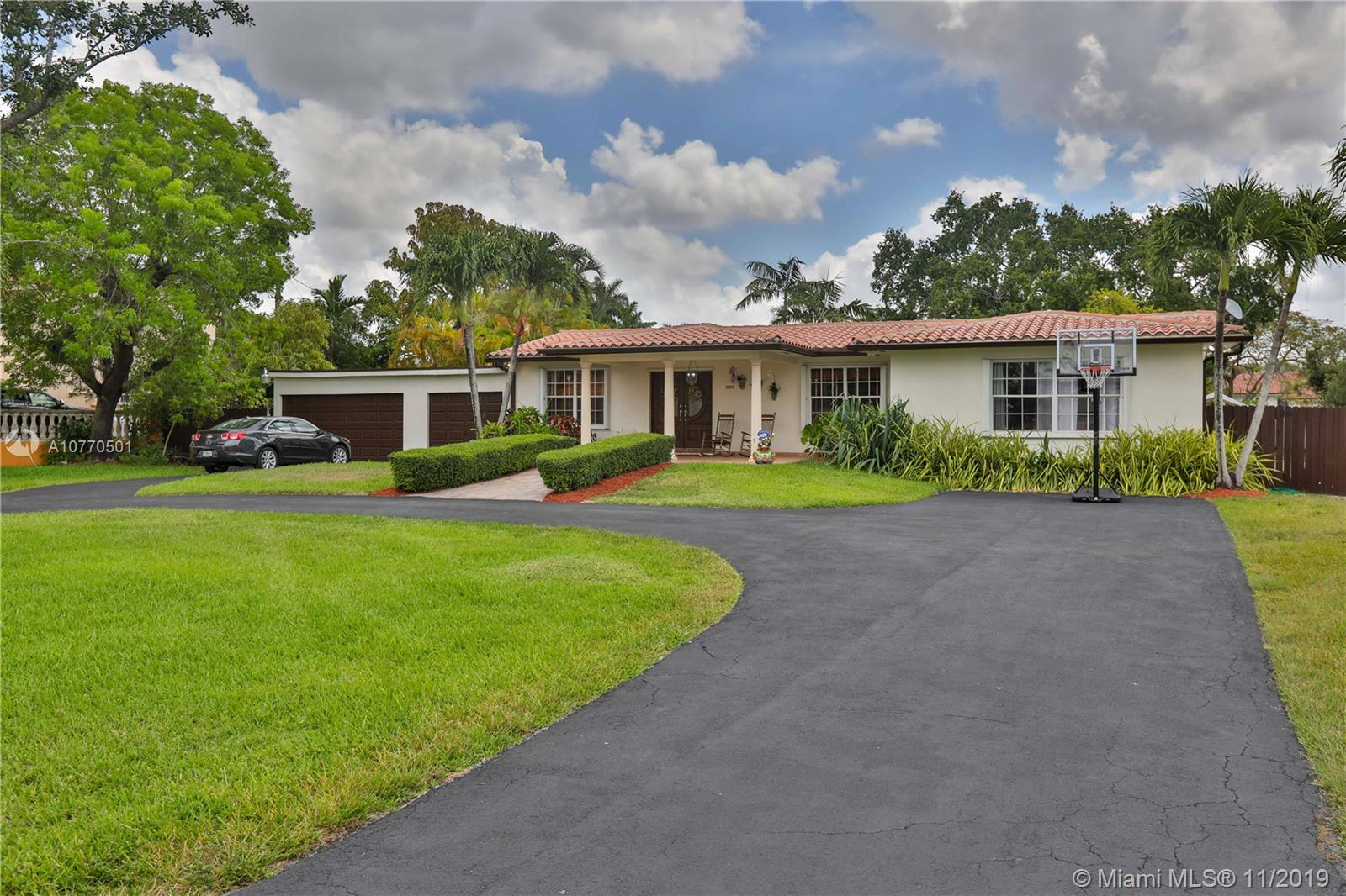 221 SW 129th Ave  For Sale A10770501, FL