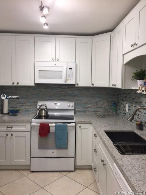 9111 E Bay Harbor Dr #2E For Sale A10770912, FL