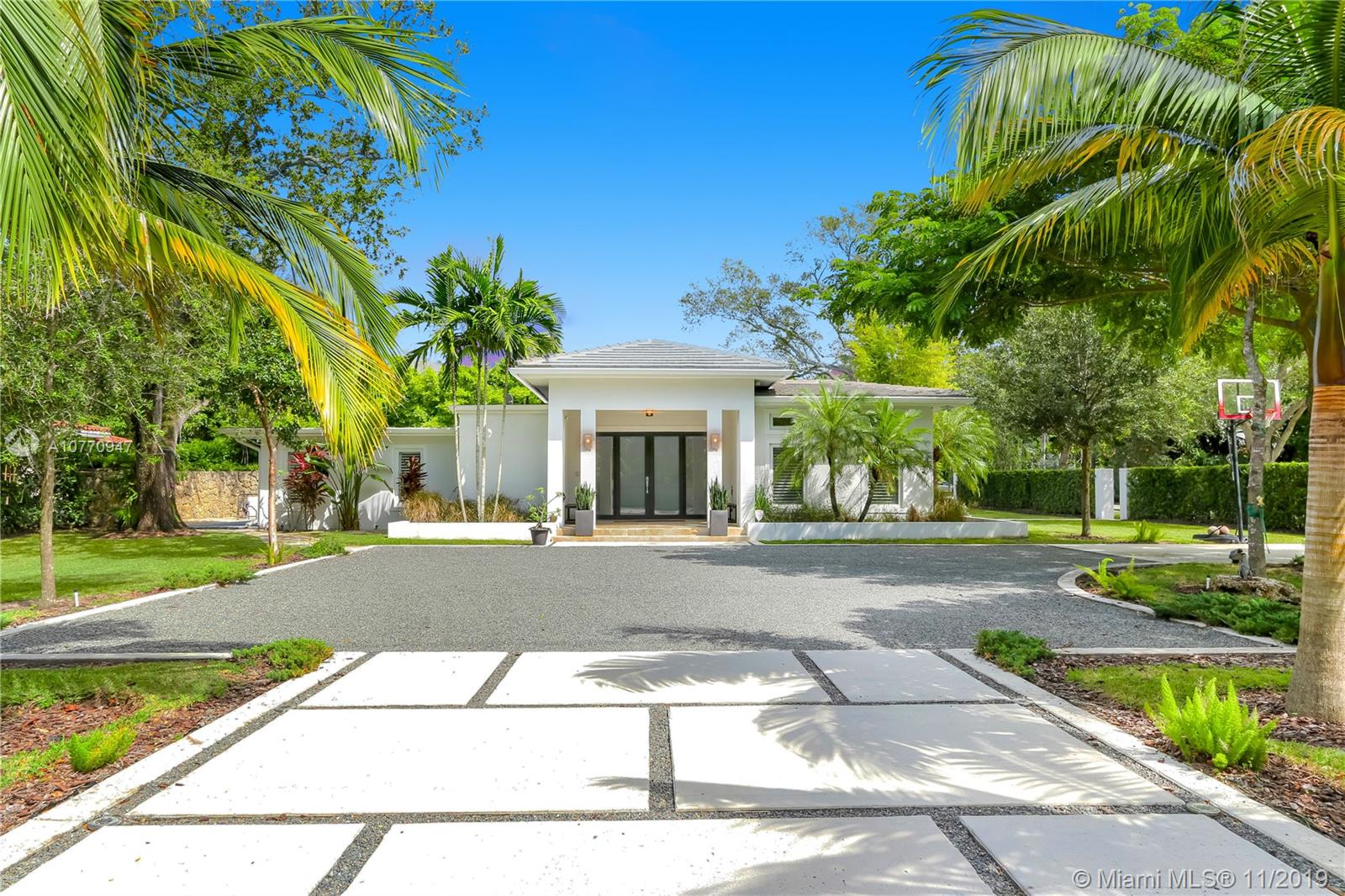 5995 SW 102nd St  For Sale A10770947, FL