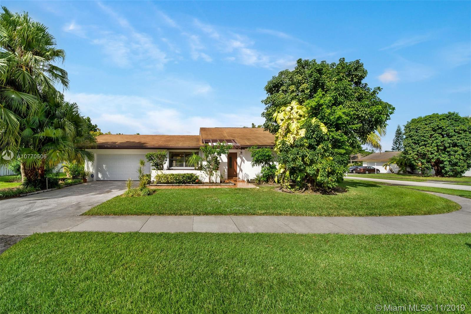11605 SW 107th Terrace  For Sale A10770506, FL
