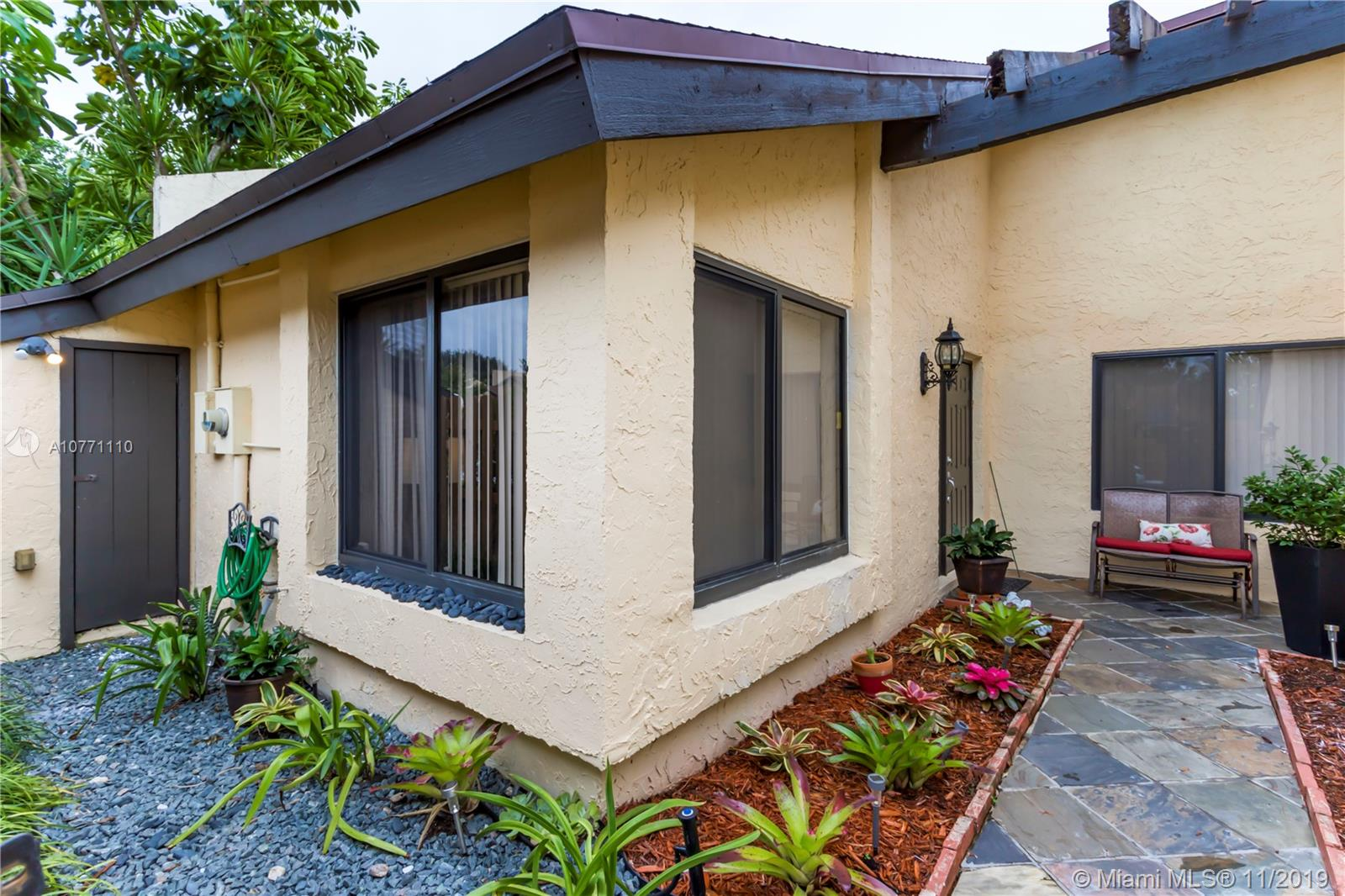 3906 NW 77th Ave  For Sale A10771110, FL