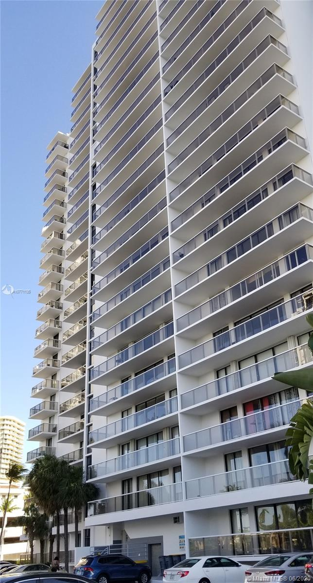 3701 N Country Club Dr #304 For Sale A10771135, FL