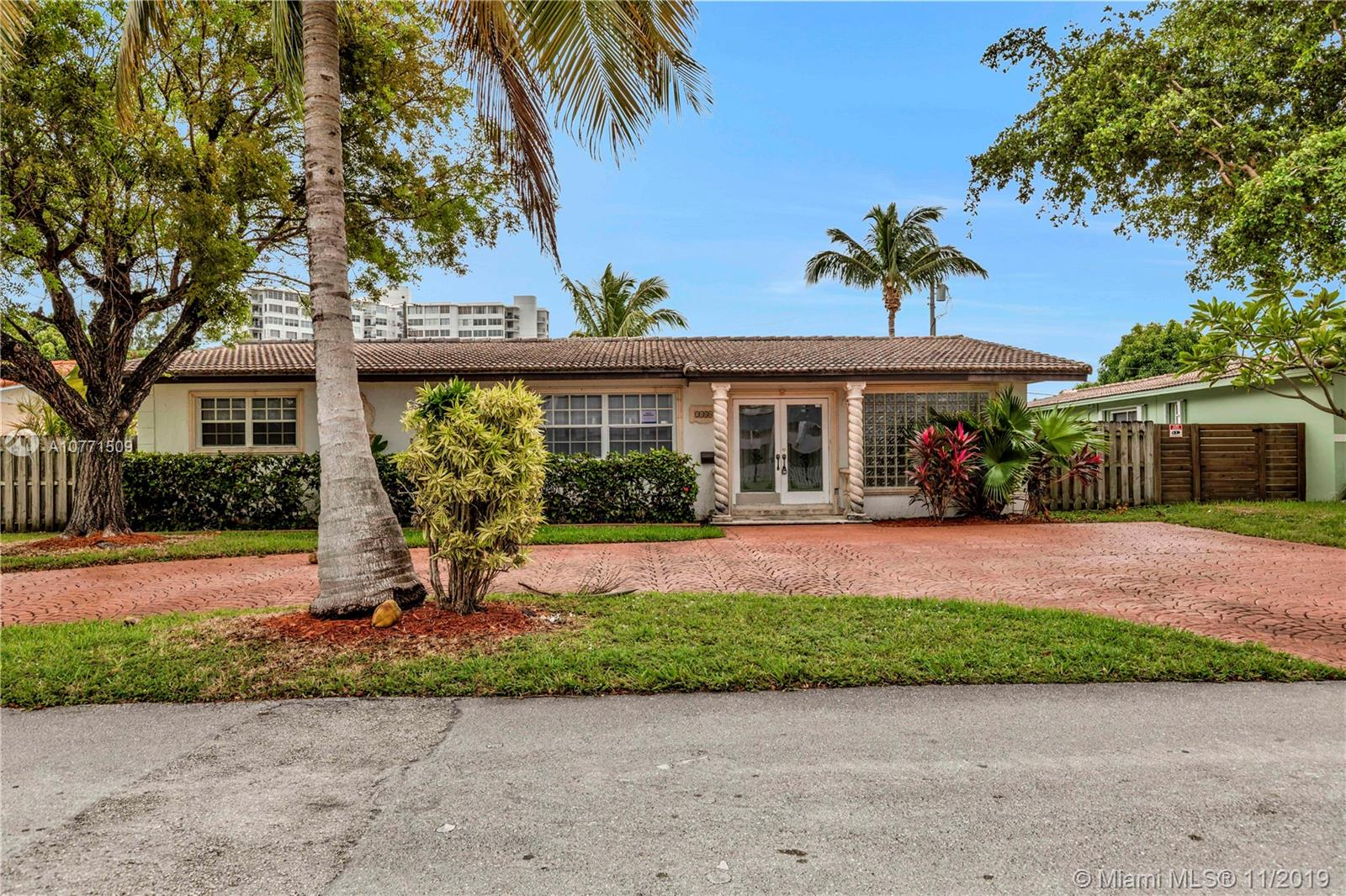 2180 N E 121st St  For Sale A10771509, FL