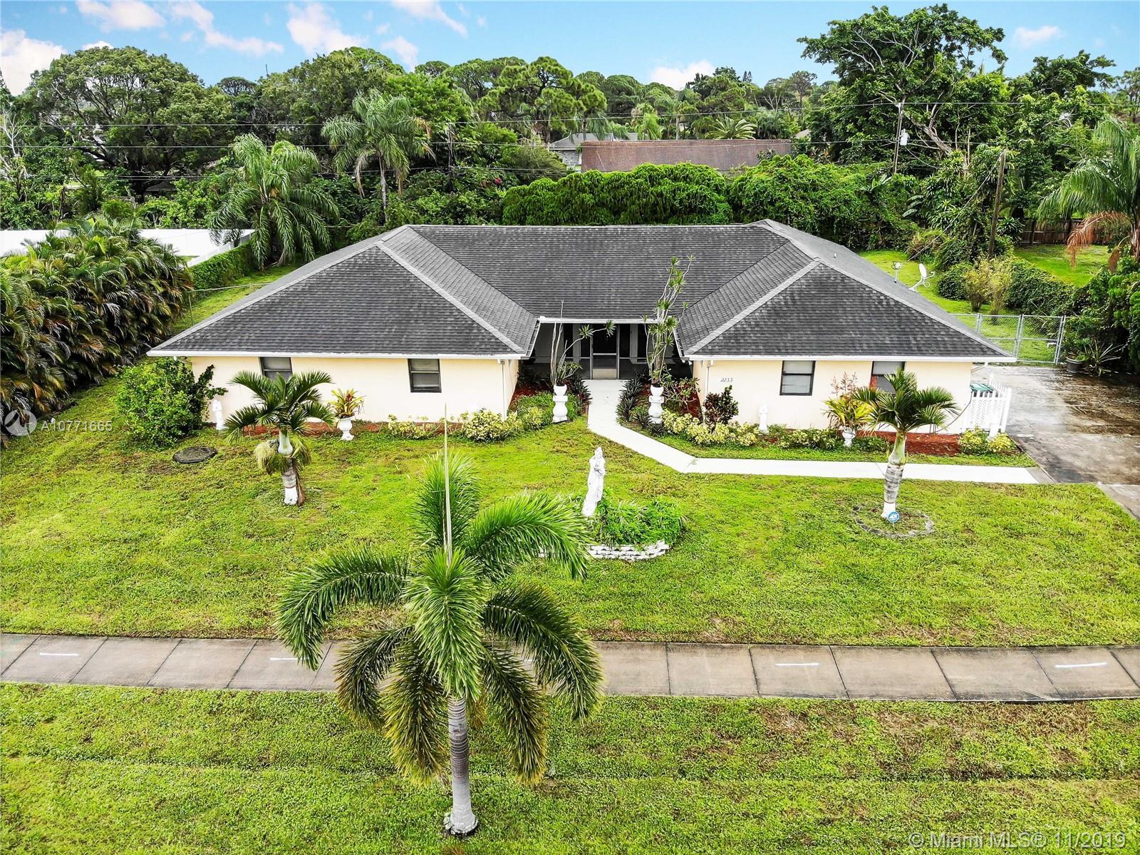 2233 SE Morningside Blvd, Port St. Lucie, FL 34952