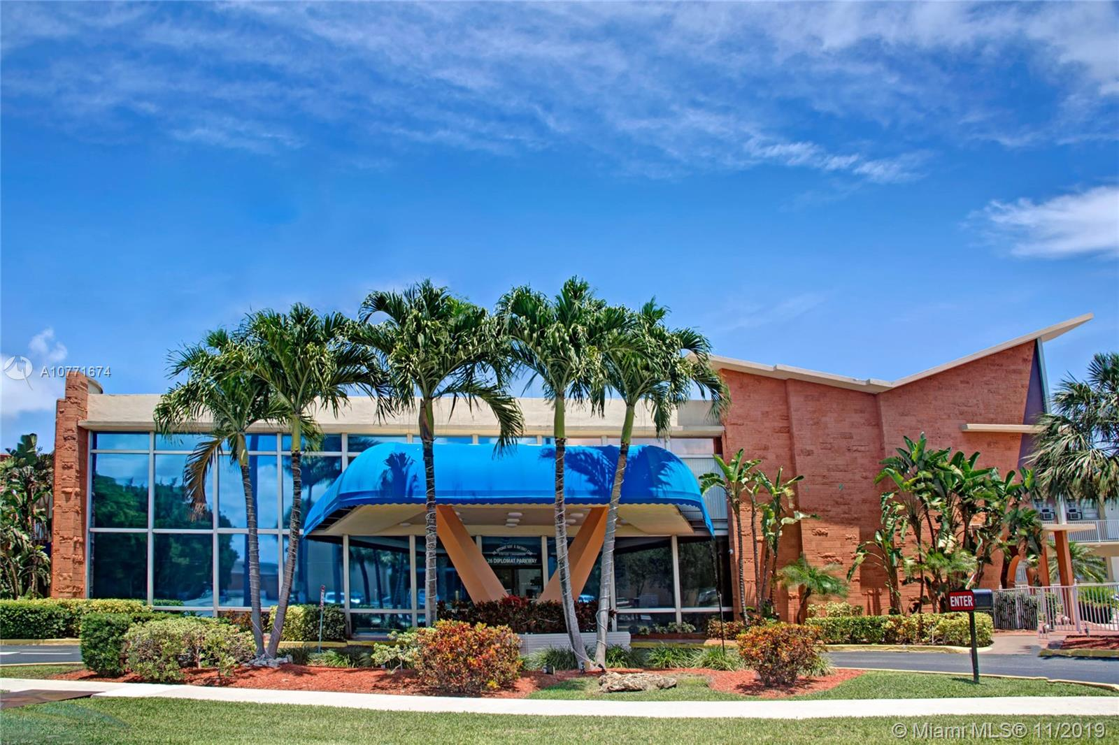 26  Diplomat Pkwy #2317 For Sale A10771674, FL