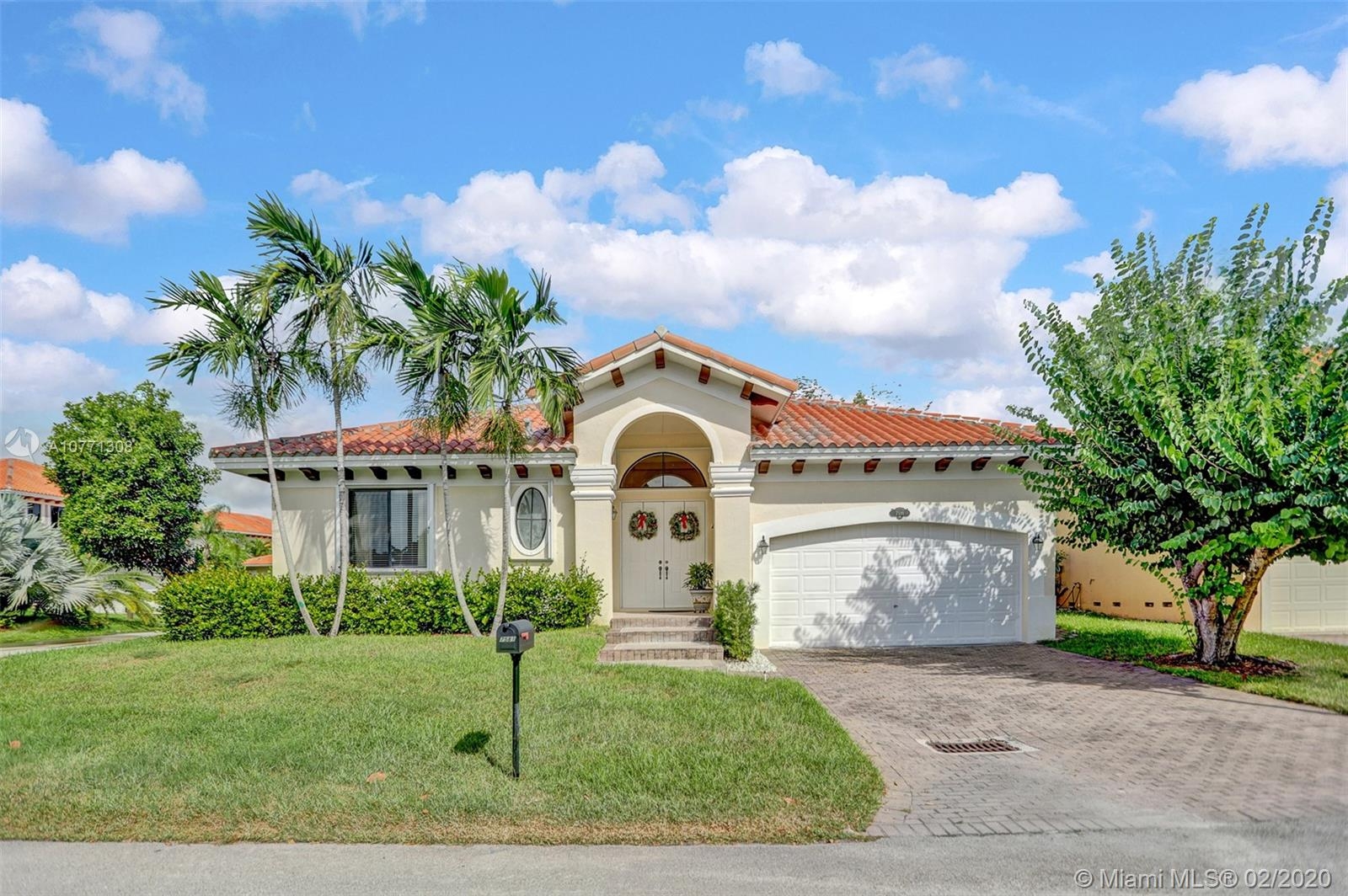 7581 SW 190 St  For Sale A10771308, FL
