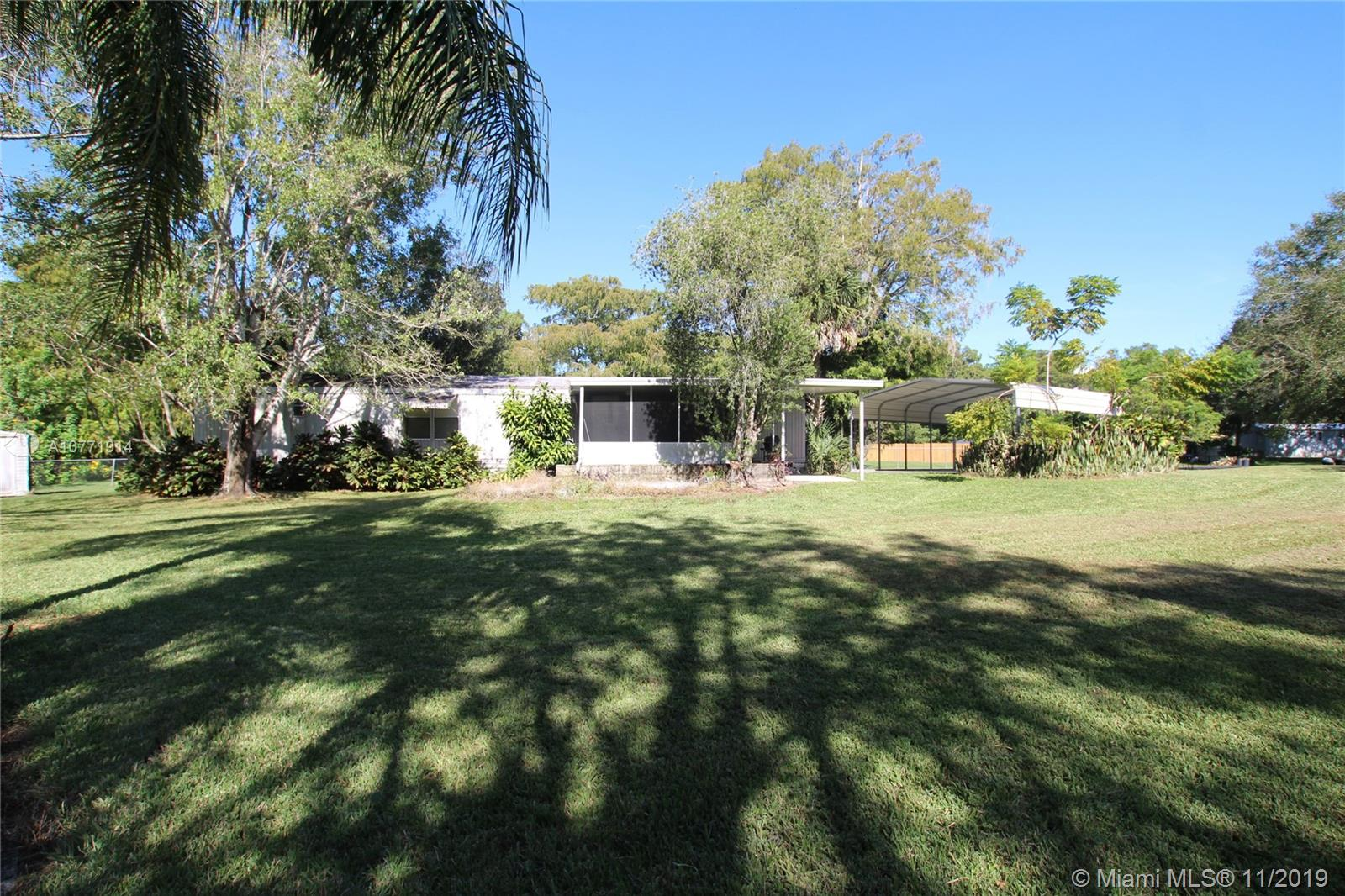 2605 SE 44th Ave  For Sale A10771914, FL