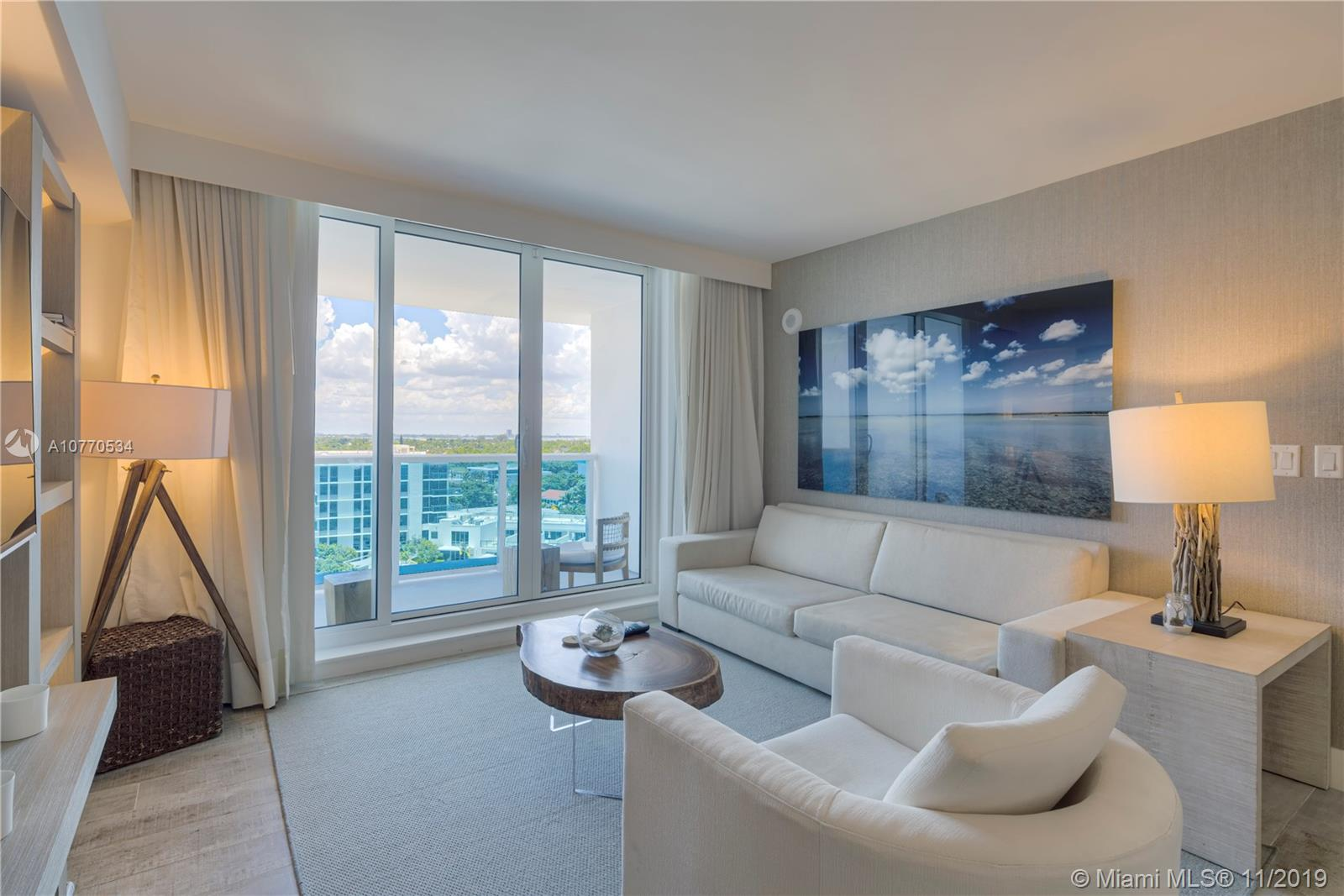 102  24 street #945 For Sale A10770534, FL