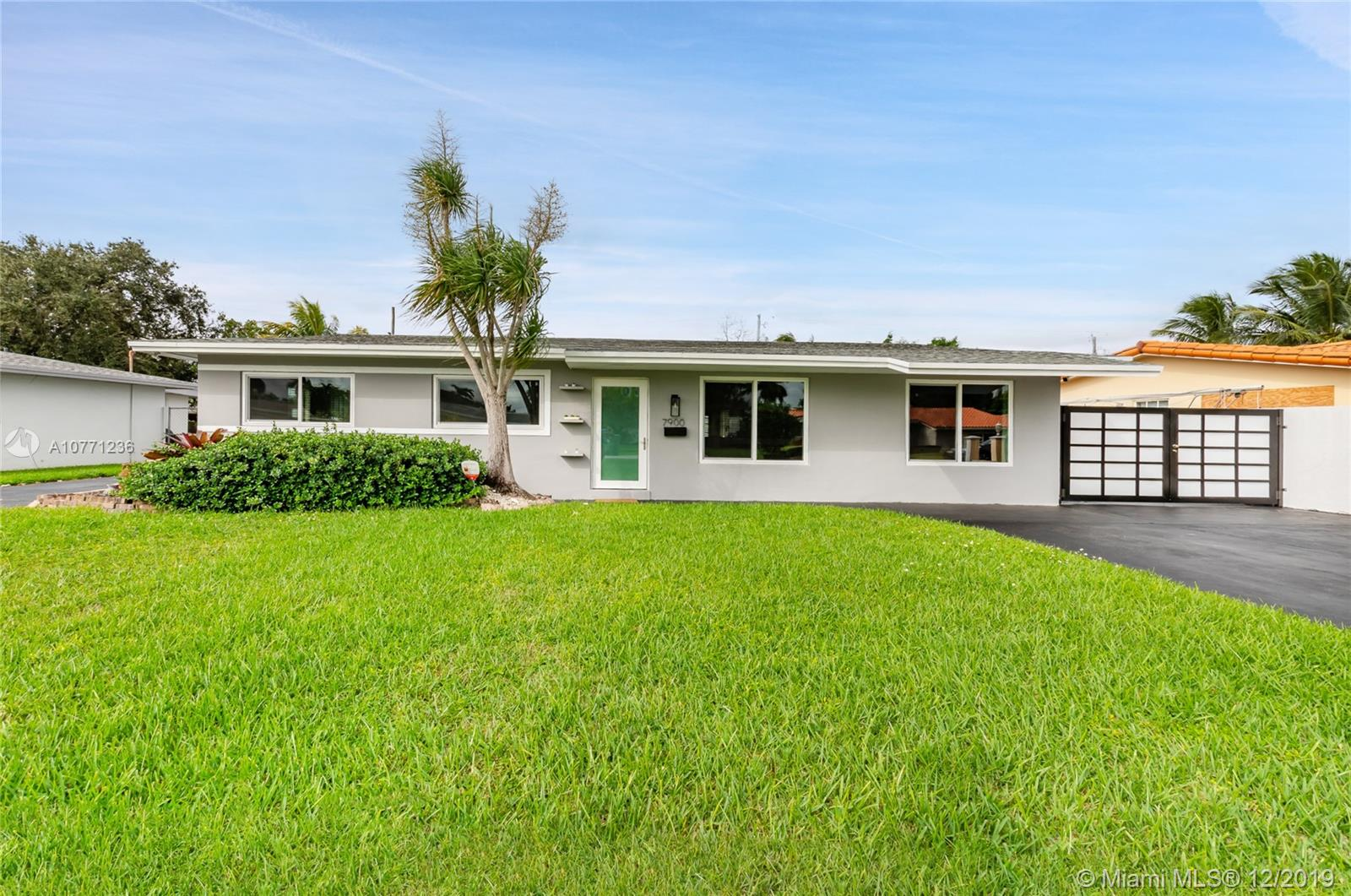 7900 SW 97th Ct  For Sale A10771236, FL