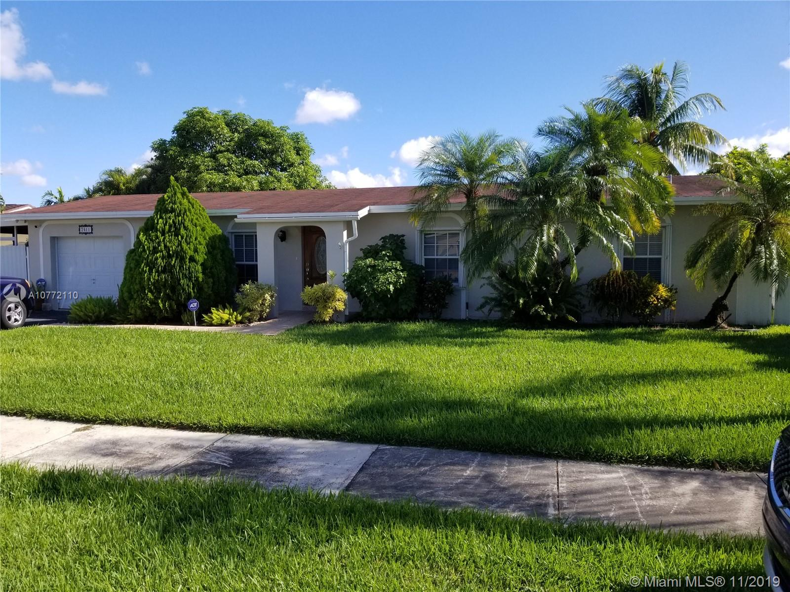 7411 SW 130th Ave  For Sale A10772110, FL