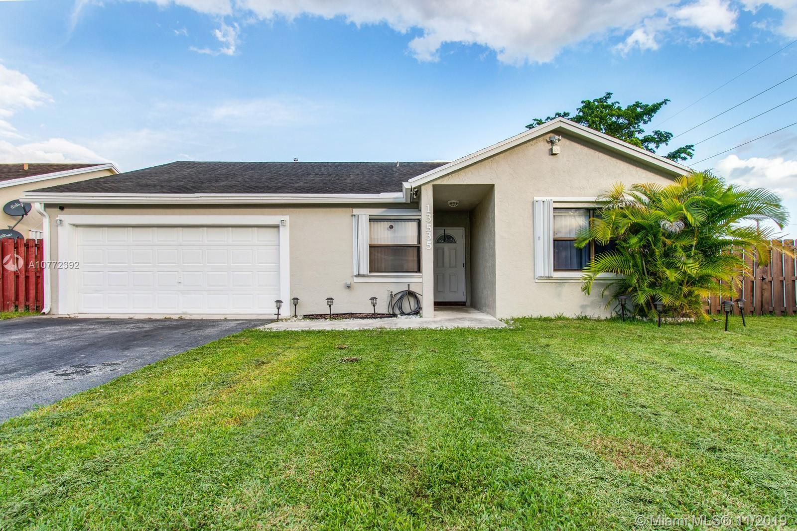 13535 SW 114th Pl  For Sale A10772392, FL