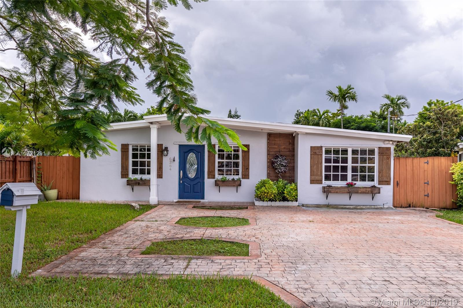 6264 SW 31st St  For Sale A10771291, FL