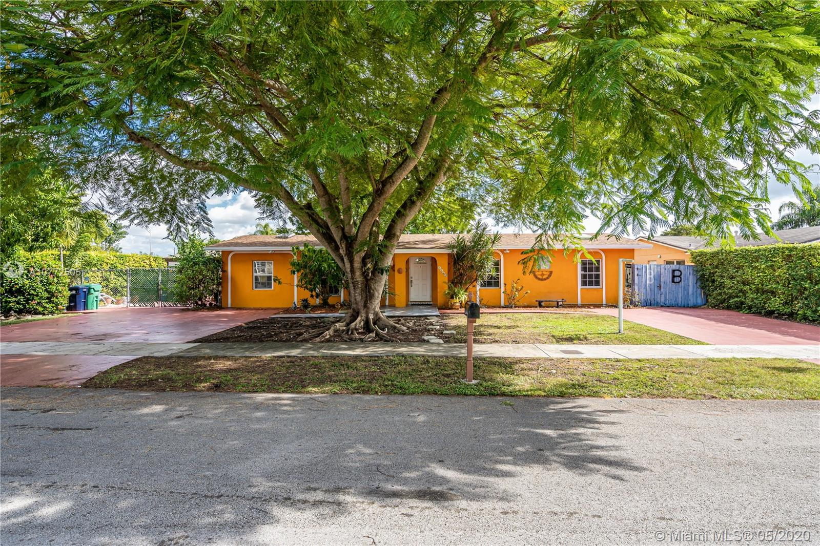 7225 SW 131st Ave  For Sale A10772505, FL