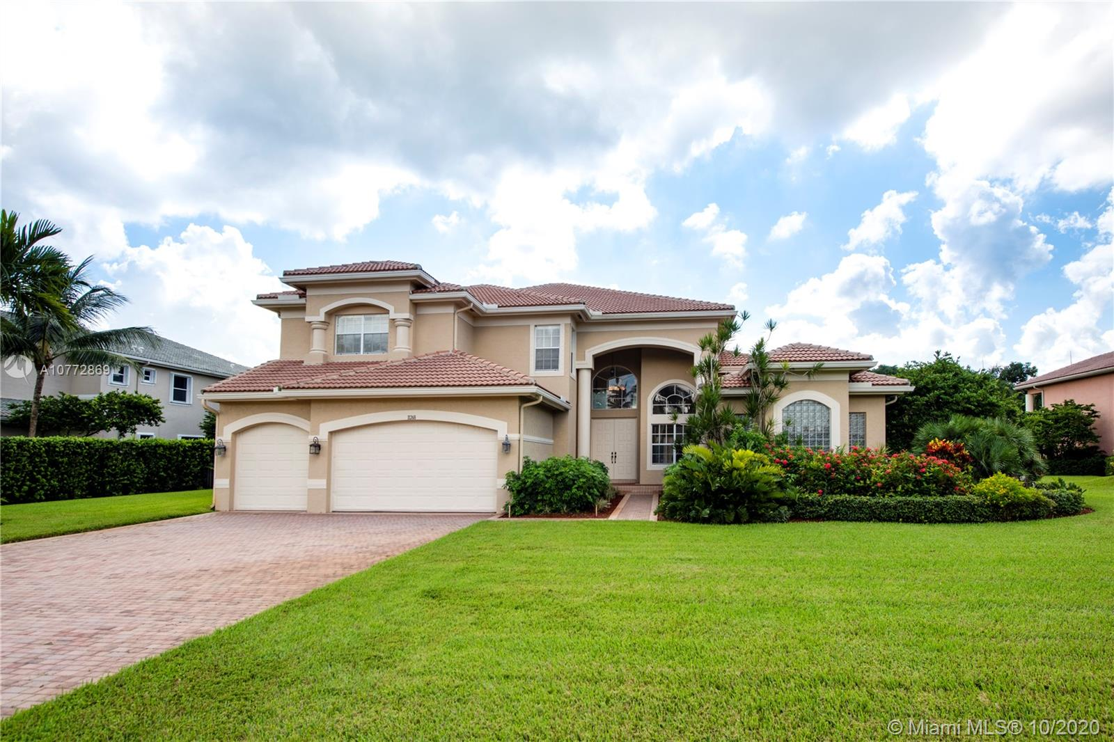 11268 Water Oak Pl, Davie, FL 33330