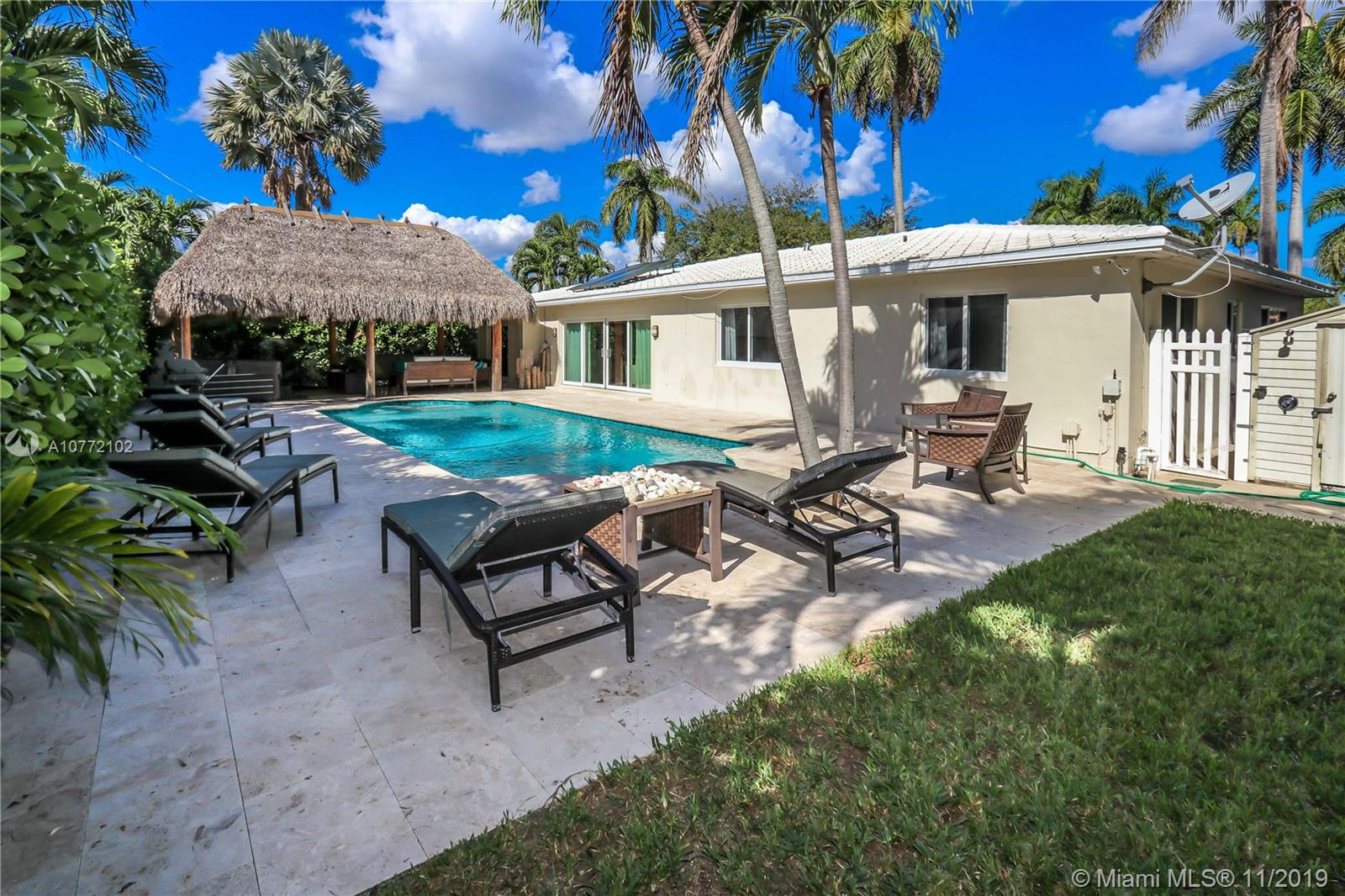 932  Harrison St  For Sale A10772102, FL
