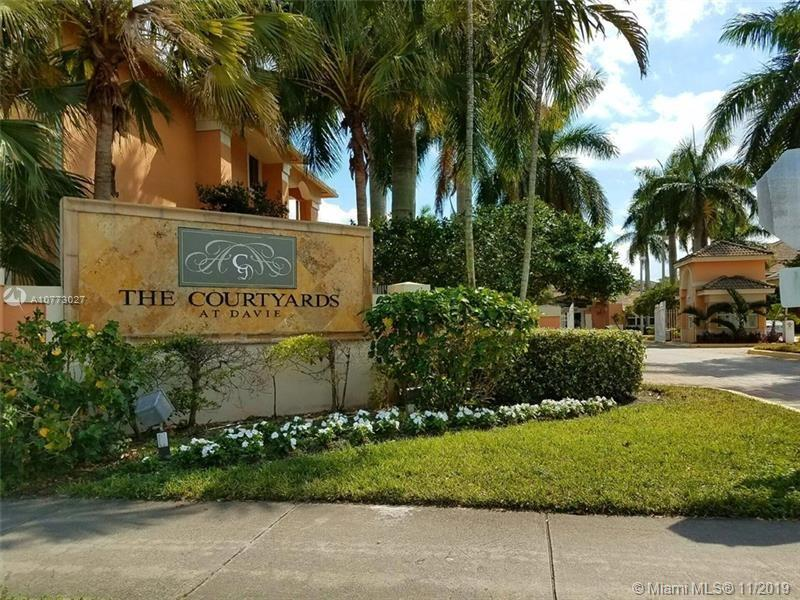 6900 SW 39th St #203J For Sale A10773027, FL
