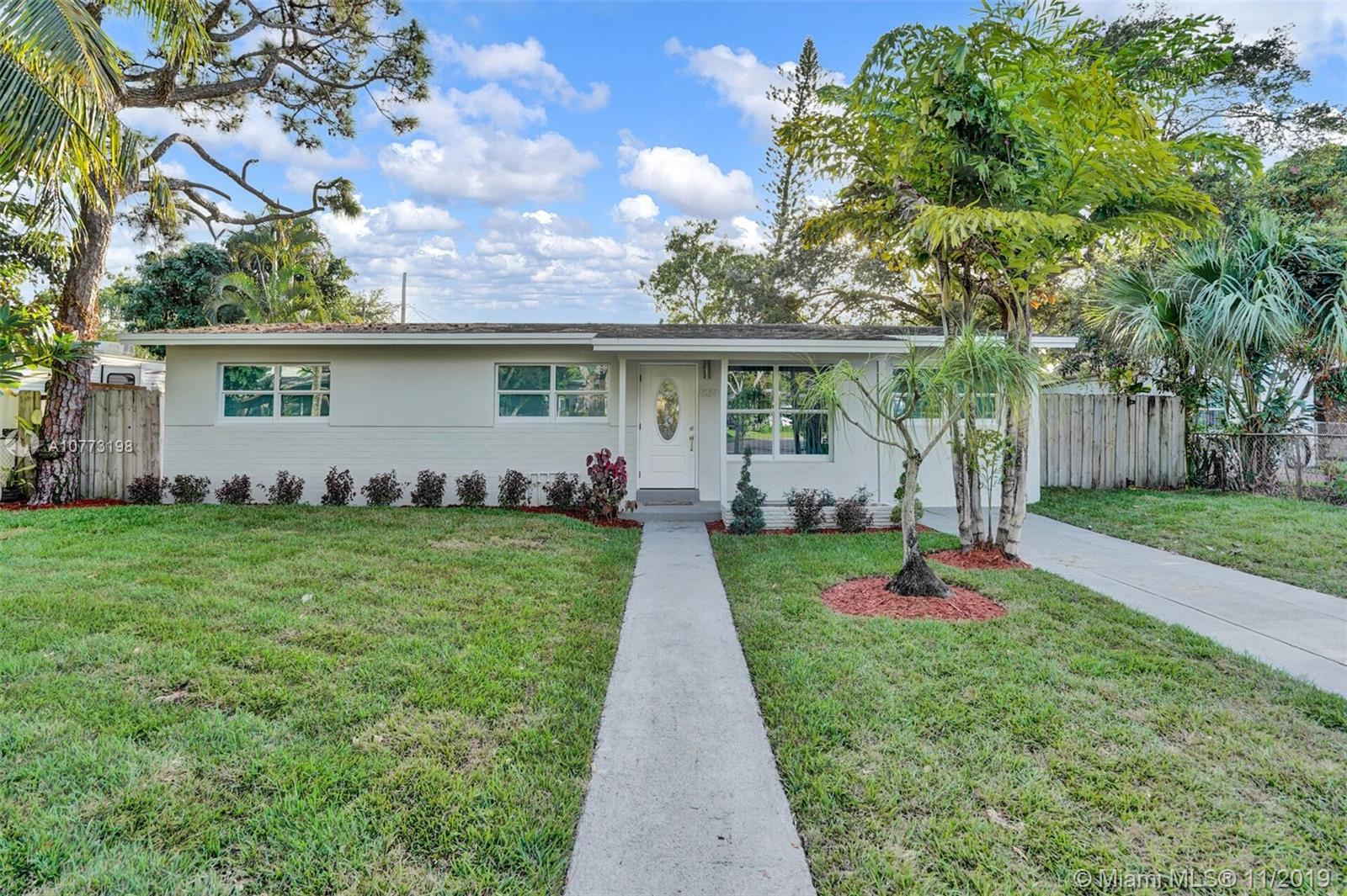 909 S W 22nd Ter  For Sale A10773198, FL