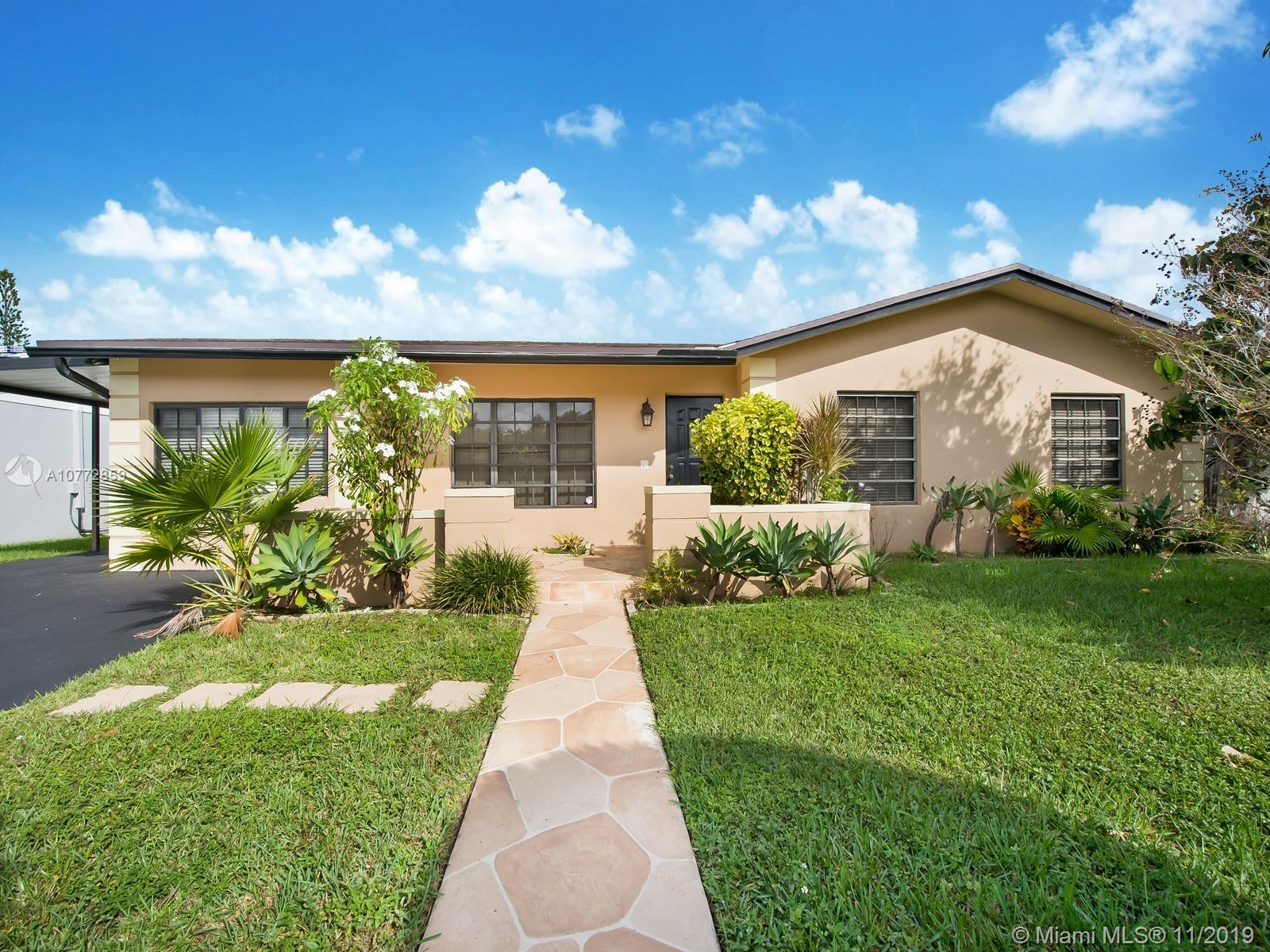12065 SW 117th Ter  For Sale A10772859, FL