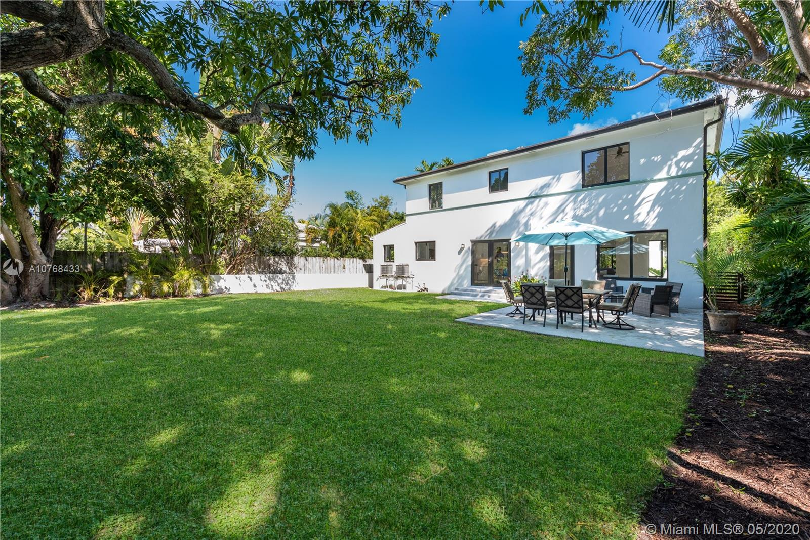 6166  Pine Tree Dr  For Sale A10768433, FL