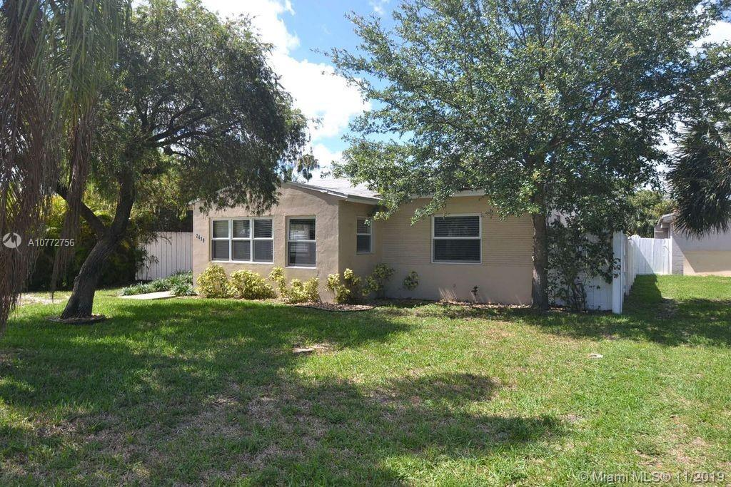 2419  Thomas St  For Sale A10772756, FL